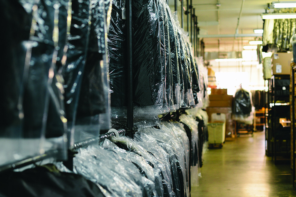Why should you give your delicate clothing to a luxury dry cleaners ?