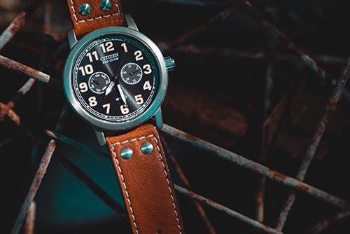 Comment nettoyer un bracelet de montre en cuir ?