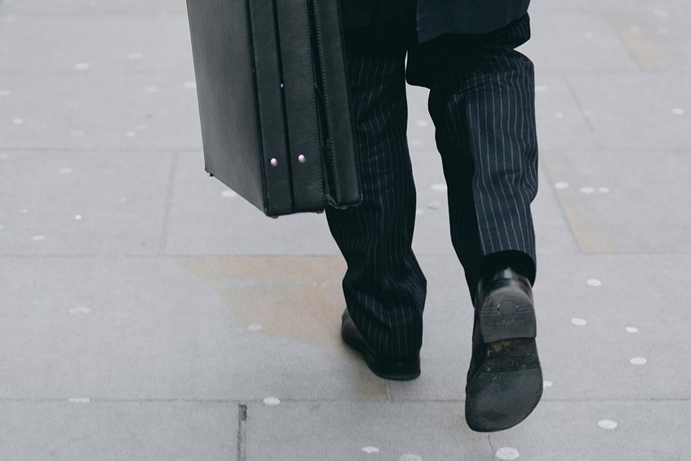 Comment repasser un pantalon de costume ?